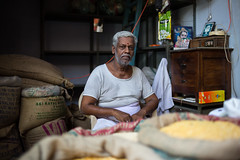 (Jason Clifton) Tags: canon canon5dmarkiii 5dmarkiii 5dm3 ef35mmf14lusm 35mmf14l 35mm 35mml streetphotography amburindia ambur india documentary photojournalism nationalgeographic natgeo primelens nozoom noflash availablelight existinglight naturallight streetportrait indiastories environmentalportrait jasonclifton jasoncliftonflickr flickrjasonclifton natgeofacesoftheworld male poor portrait market loveindia man