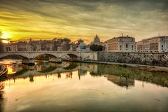 Ritratto di donna velata (Gio_guarda_le_stelle) Tags: evening sunset rome roma italy river gold liquid water bronze atmosphere cityscape scyline ancient light sunbeam clouds silk