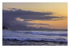 Seascape. (Anscheinend) Tags: fuerteventura seascape sea ocean waves storm sunset ocaso tramonto coucherdesoleil mountains island canarias bay coast water nature landscape paysage paesaggio paisagem