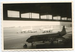 . (Kaïopai°) Tags: berlin westberlin tempelhof flughafen airport flugzeug plane hangar flugfeld flieger vintage 1960er 1960s propellermaschine airfield