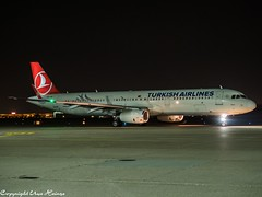 Turkish Airlines TC-JSK HAJ at Night (U. Heinze) Tags: aircraft airlines airways airplane night nightshot planespotting plane flugzeug haj hannoverlangenhagenairporthaj olympus 12100mm