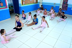 Aula de Balet na E.M. Adelaide de Magalhães em Itaboraí (3) (itaborairj) Tags: escola aula balet itaboraí indice ideb aprovada 29032019