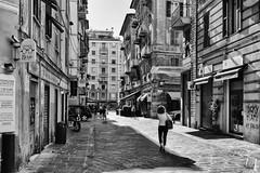 Liguria La Spezia (michael_obst) Tags: liguria bellaitalia street building sony laspezia architecture mono bnw bw schwarz weiss noir blanc people