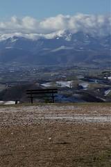e poi una panchina per godere il paesaggio - Arcevia (walterino1962 / sempre nomadi) Tags: paesaggio panorama panchina neve colline monti pendii valli campicoltivatiearati case paesi nubi nuvole luci ombre riflessi arcevia ancona