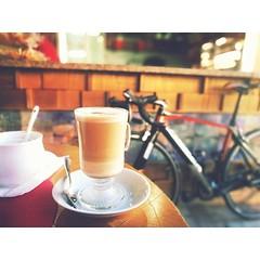 ¿Se te Antoja un Café con ellas? Compártelo 👑♥️ Coffee con mi Mam y mi amante. . . . . . #LaBicicleteriaDO #OrbeaRD #MyOrbea #OrbeaOrca #Love #Bicycle #MountainBike #MTBBrasil #Shimano #PrefiroPedalar #Rideshimano #RDLoTieneTodo #Cyc (STIoficial) Tags: stioficial instagram turismo republicadominicana dominicana tourism travel trip dominicanrep dominican andoenrd