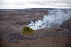 Kilauea, Hawaii (Roger Gerbig) Tags: hawaii bigisland rogergerbig canoneos5dmarkii ef24105mmf4lisusm kilauea volcano eruption lava puʻuʻōʻō aerialphotography helicopter volcaniccone easternriftzone 2655
