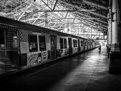 Mumbai (III) (manuela.martin) Tags: bw blackandwhite schwarzundweis streetphotography india mumbai people peoplephotography foreignpeople hasselblad x1d hasselbladx1d mediumformat