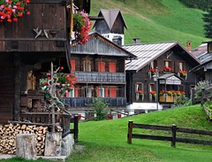 Sappada (Jolivillage) Tags: jolivillage village borgo pueblo sappada vénétie veneto frioul friuli italie italia italy europe europa chalets picturesque geotagged