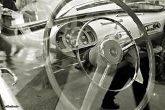 RetroMotor. (2) (AviAntonio) Tags: virat virado seat 600 reflexos reflejos vidre cristal