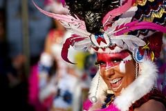 Emplumada (melibeo) Tags: retrato portrait carnaval carnival india indian plumas plumaje plume mujer woman mirada gaze maquillaje makeup lloretdemar lloret mylloret viulloret colorido colorful
