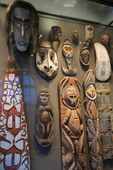 New Guinea carvings (quinet) Tags: 2017 amsterdam antik netherlands schnitzerei tropenmuseum ancien antique carving museum musée sculpture