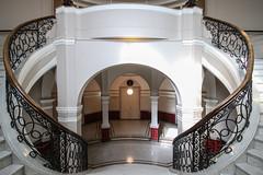 Baumwollbörse Bremen (Elbmaedchen) Tags: staircase stairs stairwell stufen steps treppenhaus treppe architektur architecture upanddownstairs interior rund empore inside baumwollbörse bremen escaliers escaleras aufgang
