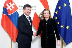 Karin Kneissl empfängt den slowakischen Außenminister Miroslav Lajčák
