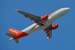 easyJet UK G-EZPE Airbus A320-214 Sharklets cn/7044 @ EGKK / LGW 28-05-2018 (Nabil Molinari Photography) Tags: easyjet uk gezpe airbus a320214 sharklets cn7044 egkk lgw 28052018