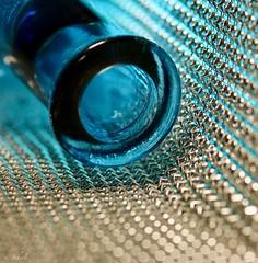 blue Glass (u. Scheele) Tags: macro makro macromondays mm hmm canon canoneos80d closeshot closeup bokeh glass glas eos80d eos indoor digital tamron vase blue blau schärfentiefe