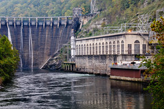 Cheoah Dam And Powerhouse (Z-Imagery) Tags: america architecture building cheoahdam conduit crestgate cultural dam detail documentary editorial facade gate grahamcounty landscape littletennesseeriver moonshiner28 nc nc28 nchighway28 nantahalanationalforest nationalregisterofhistoricplaces natureandenvironment northamerica northcarolina outhernstates penstock powerplant route28 south southatlantic spillwaygate spliiway structure swaincounty tarheelstate us usa unitedstates water watercourse aqueduct aspect canal channel concrete course duct elevation exterior frontage openair outdoor placid serene slope tranquil nikon d300 tamronxrdildifmacro 2875mm f28