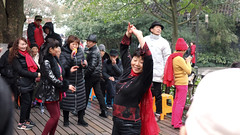 Dancing by West Lake, Hangzhou (Joshua Khaw) Tags: dancer china park dancing hangzhou west lake people crowd street life