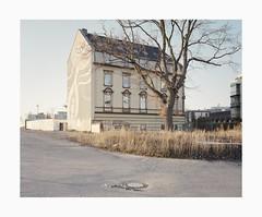 Ehrenfeld, 2019 (Darius Urbanek) Tags: 120 6x7 cologne ehrenfeld germany kodak köln mamiya7 portra400 analog architecture color film mediumformat