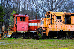 Cannibalized Corpse (BravoDelta1999) Tags: pickens pick railroad southern sou railway honeapath southcarolina emd sw1 jrwx 115 ge u18b 9501 csxt csx transportation