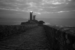 au bord de l'Océan (Patrick Doreau) Tags: océan atlantique brest rade phare lumières lights sea bretagne brittany petitminou toulinguet camaret crozon nuit night