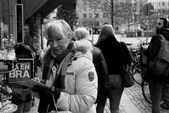 MALMO STREE BW 190110-35-T3009580 (svenerikols) Tags: streetphotography street