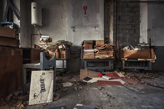 mucchi di lavoro (Knee Bee) Tags: attorcigliatore abandonedindustry industrial stabilimentotessile degrado decay urbex
