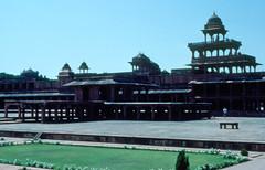 INDIA Y NEPAL 1986 - 214 (JAVIER_GALLEGO) Tags: india 1986 diapositivas diapositivasescaneadas asia subcontinenteindio cachemira kashmir rajastán rajasthan bombay agra taj tajmahal srinagar delhi