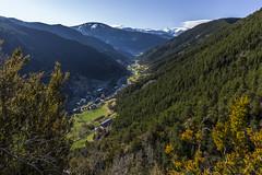 La Cortinada, Principat d'Andorra (kike.matas) Tags: canon canoneos6d canonef1635f28liiusm kikematas lacortinada ordino andorra andorre principatdandorra pirineos paisaje bosque arboles valle primavera camídelcolldelescases gr11 montañas pueblo lightroom6 андорра senderismo excursión hiking