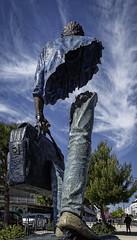 Bleu de Chine - vue arrière (thierrybalint) Tags: sculpture catalano marseille art nikon nikoniste balint thierrybalint sculpteur rue street arbres trees ciel sky