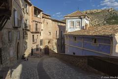 Albarracín (jesussanchez95) Tags: albarracín teruel urbanlandscape paisjeurbano architecture calle street building pueblo village