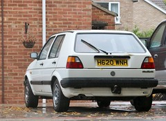 H620 WNH (Nivek.Old.Gold) Tags: 1990 volkswagen golf cl auto 5door 1595cc greenways