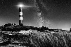 Amrum-Leuchtturm (Gruenewiese86) Tags: 6d amrum canon deutschland germany insel nordfriesland urlaub milchstrase milkyway night nightshot monochrome monochrom schwarz schwarzweiss black blackandwhite