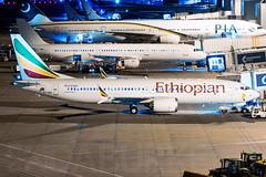 Ethiopian ET-AVK 13-2-2019 (Enda Burke) Tags: etavk max8 avgeek aviation airplane airport ethiopian ethiopianairlines addisababa canon canon7dmk2 manchesterairport manchester man manc manairport manchesterrunwayvisitorpark manchestercity mcr boeing boeing737 7378max cockpit window aircraft