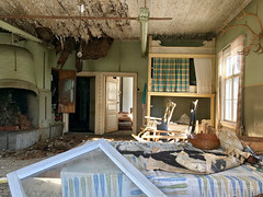 (Sameli) Tags: old abandoned building room history rural decay ue urbex urban exploration suomi finland