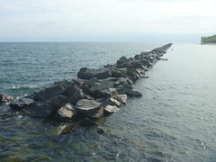P1170218-060618 (octoberblue13) Tags: toronto ontario canada breakwall rocks lake water island