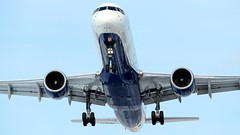 Boeing 757-232 (dejuczi) Tags: boeing757 boeing delta deltaairlines torontopearson flightphoto
