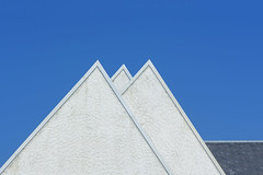 Three triangles (Jan van der Wolf) Tags: map189169v lines lijnen lijnenspel triangle driehoek drie three roofs geometric geometry geometrisch gevel gebouw house huis roof