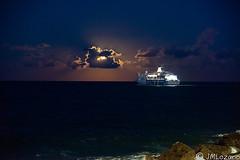 navegando hacia la luna de sangre (EXPLORE) (josmanmelilla) Tags: melilla mar españa nocturna nubes noche barcos photowalkmelilla photowalk pwmelilla pwdmelilla flickphotowalk pwdemelilla