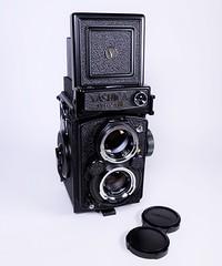 Yashica-Mat 124G (http://www.yashicasailorboy.com) Tags: yashicamat mat124g tlr film japan 120 6x6cm twinlens mediumformat
