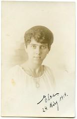 . (Kaïopai°) Tags: female femme woman frau frow dame portrait portraiture vintage muchere kleid frisur friseur 1919