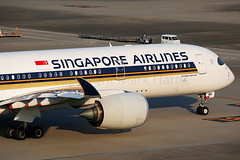 Singapore Airlines Airbus A350-941 9V-SMM (Mark Harris photography) Tags: spotting airbusmaviation canon sq a350 airplane