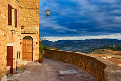 Pienza Afternoon, Tuscany (Claudio_R_1973) Tags: tuscany afternoon goldenhour village rural landscape wall home house building construction pienza valdorcia italia italy outdoor fall fallcolor cloudy hills nature street road