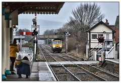 Starting 'em young (david.hayes77) Tags: freightliner shed 66522 gobowen shropshire salop 2019 lightengine trainspotter tsbg gobowensignalbox semaphores family 0v75 borders winter levelcrossing b5069 bordercountry startingemyoung chirkroad