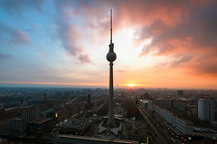 Urban Sunset - Berlin (Light Levels Photoworks) Tags: architecture architektur allemagne adventure atmosphere alexanderplatz berlin berliner fernsehturm dom rotes rathaus city cityscape clouds citylights deutschland europe europa earth germany landscape landschaft moment mitte nikon nikkor outdoor over perspectives paysage photography perspektive panorama stadt street sunset sonnenuntergang skyline time travel tower turm tv urban view viewpoints voyage ville world wetter wolken wideangle weather