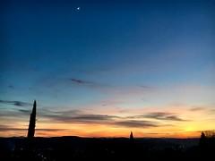 Une aquarelle flamboyante. (Pierre-Louis K.) Tags: ombre violet crépuscule nuit noir orange bleu ciel couché soleil