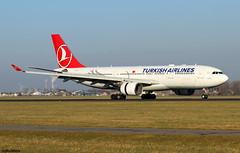 Turkish Airlines Airbus A330-223 TC-LNA / AMS (RuWe71) Tags: türkhavayollari turkishairlines tkthy turkish turkey istanbul airbus airbusa330 a332 a330 a330200 a330223 airbusa330200 airbusa330223 tclna msn874 fwwka çamlica amsterdamschiphol amsterdamschipholairport schiphol schipholairport ams eham schipholamsterdam polderbaan widebody twinjet runway winglets sunshine