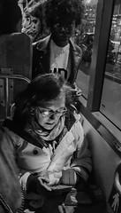 2019-03-11 - Lundi - 70/365 - In the Bus - (Nolwenn Leroy) (Robert - Photo du jour) Tags: 2019 mars france bus noiretblanc femme inthebus nolwennleroy blanc nb fontenaysousbois blackandwhite