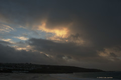 3KB12353a_C_2019-01-26 (Kernowfile) Tags: cornwall cornish pentax stives porthmeorbeach sea water sky dramaticsky sunset sunsetlight beach waves rocks hill cliffs clouds