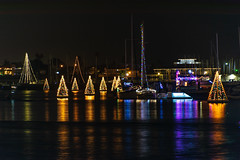 Christmas Lights at Naples Canal and Alamitos Bay (SCSQ4) Tags: alamitosbay california christmas christmaslights homes longbeach naplescanal walkingtour boat