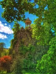 Parc des Buttes-Chaumont.... (Sherrianne100) Tags: beauty park parcdesbutteschaumont paris france